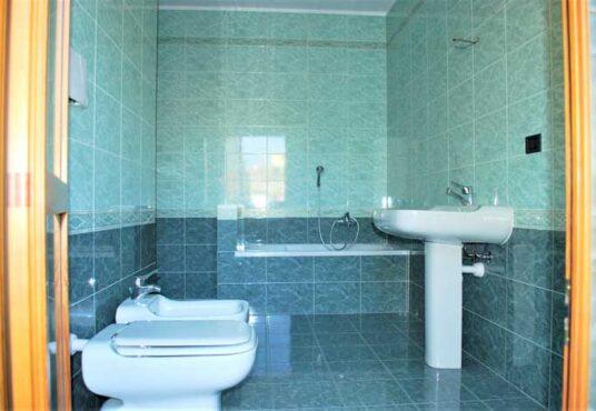 secondo bagno casa in vendita torino via serrano
