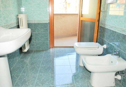 secondo bagno appartamento via serrano torino