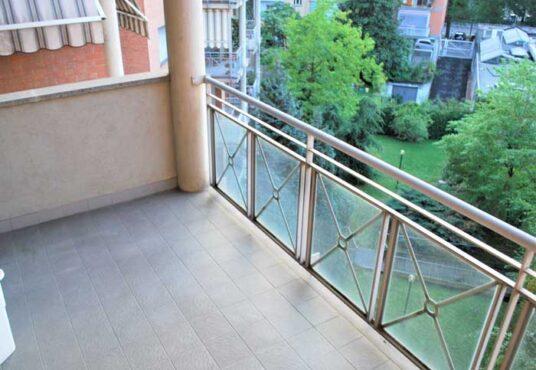 Torino via Serrano vendita appartamento terrazzo