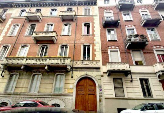 facciata bilocale in affitto torino via bagetti