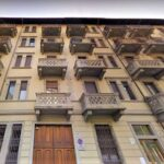Vendita intero stabile Torino via Borgone