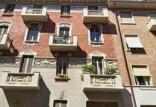 facciata casa in affitto in torino via peyron 10