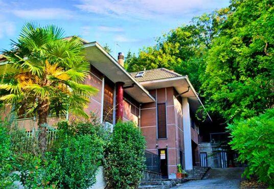 Villa in vendita a Moncalieri con parco